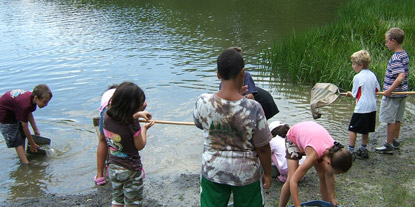 PEEC Day Camp kids during Pond Study